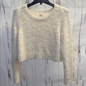 Fuzzy SUPER soft creamy white Mossimo sweater Sz M